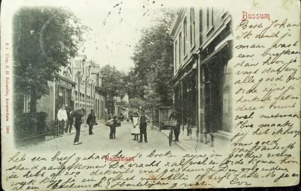 Nassaulaan, met links nr 25, de winkel van Wed. A. Meijer